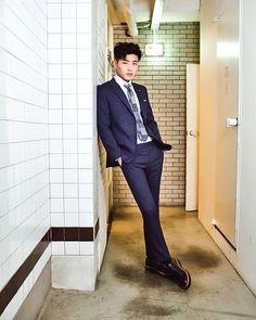 Kang Ha Neul Smile, Kang Haneul, Korean Military, Abs Boys, Beauty Around The World, Korean Star, Love Affair, Asian Boys, Male Beauty