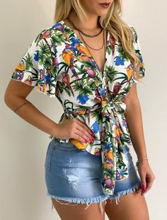 Women's Blouses Shirts has never been so Inspirational! Since the beginning of the year many girls were looking for our Top guide and it is finally got released. Now It Is Time To Take Action! See how. Cute Fashion, Modest Fashion, Trendy Fashion, Fashion Outfits, Woman Outfits, Fashion Clothes, Womens Fashion, Simple Outfits, Stylish Outfits