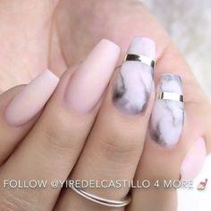 Marble nails @yiredelcastillo #GhalichiGlam #LillyGhalichi