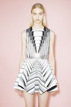 Geometric dressing. Xk #kellywearstlerXdomino #myvibemylife #geometric