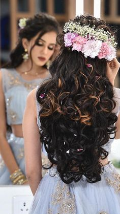 How can bridal hair extensions help a bride create her desired wedding hair style? Many brides have a fixed idea of how they would like their hair on their wedding day. Bridal Hairstyle Indian Wedding, Bridal Hair Buns, Best Bridal Makeup, Bridal Hair And Makeup, Indian Wedding Hairstyles, Bride Hairstyles, Men's Hairstyle, Engagement Hairstyles, Hair Upstyles