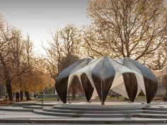 Institute for Computational Design (ICD) and the Institute of Building Structures and Structural Design (ITKE) at the University of Stuttgart have completed a research pavilion that is entirely robotically fabricated from carbon and glass fibre composites.
