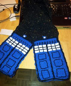 Night Sky TARDIS Scarf - Doctor Who Crochet Pattern!