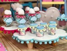 """25 Likes, 1 Comments - Por:Vivian Leal- Produtora (@livrefestas) on Instagram: """"Lembrancinhas nos potinhos personalizados para uma festa no tema #chuvadeamor. ☁☁Acervo da loja :…"""""""