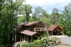 Blue Ridge Mountain Rentals features the Best Boone NC Cabin Rentals, Blowing Rock Cabin Rentals, Banner Elk Cabin Rentals with hot tubs, great views, etc. Nc Mountain Cabin Rentals, Boone Nc Cabin Rentals, Lodge Bedroom, Lodge Cast Iron, Mountain Living, Lodge Style, Lodge Decor, Blue Ridge, Eagles