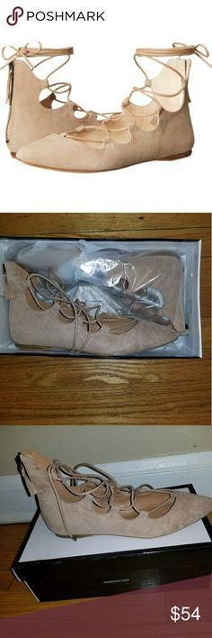 Nine West Flats 🔥🔥Brand New 🔥🔥  Never worn Nine West flats.  These are flats that you can wear with a dress or some jeans.  In original Box.  Size 9.5 Nine West Shoes Flats & Loafers