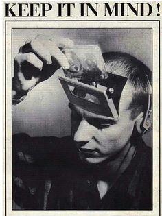 DISLIKE: - makes me think of war propaganda and like humans are like little non autonomous robots ahhh scary but powerful also Zine, Arte Punk, Retro Futurism, Grafik Design, Aesthetic Art, Wall Collage, Art Inspo, Cool Art, Art Photography