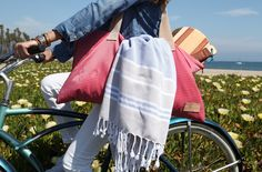 ArteMare's Convertible Tote stores hammam towels and beach racquets for a day at the beach