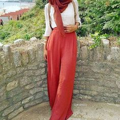 How to wear palazzo pants with hijab – Just Trendy Girls: http://www.justtrendygirls.com/how-to-wear-palazzo-pants-with-hijab/