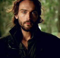Sorry Johnny Depp but Tom Mison is the sexiest Ichabod Crane to exist! *rawr*