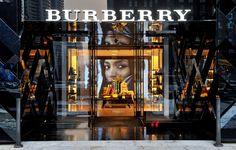 Burberry stores | Burberry flagship store Beijing 02 Burberry flagship store, Beijing Preciosa fachada que llama la atencion como su escaparate