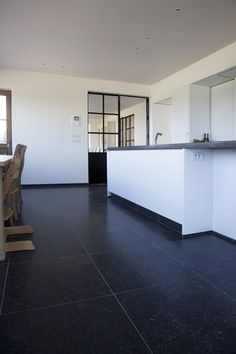 Loved by www. Modern Cabin Interior, Modern House Design, Dark Tile Floors, Painting Concrete, Black Tiles, Cabin Interiors, Open Plan Living, Classic House, Kitchen Flooring