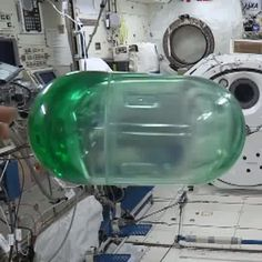 Fascinating to watch fluid impulse response in micro-gravity. by astronaut Reid Wiseman combines and beauty. Space Tourism, Space Travel, Gravity Waves, International Space Station, Hubble Space Telescope, Science News, Astrophysics, Galaxy Wallpaper