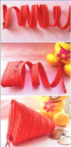 zipper and eyelet change purse... not in english via duitang.com