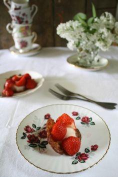 Bakje met ijs en aardbeien van Dianne Vreman