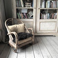 My absolut favorit chair ❤️ #chair #favoritechair #arnejacobsen #danishdesign #design #designerhome #luxury #vitrine #antik #interiormagasinet #rum_id #globalhomes #nordic #bolig #bonaturligt #bonaturlig #arkitektur #architecture #nature #simpleliving #slowluxury #skandinaviskehjem
