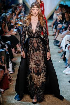 Elie Saab Fall 2017 Couture Fashion Show - Roos Abels (Ford)