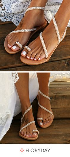Toe ring low heel shoes, trendy, sandals, stylish.
