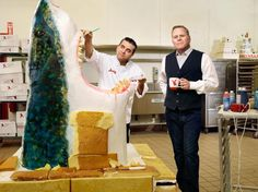 """Cake Boss Buddy Valastro, left, and David Zaslav at a Carlo's bakery facility in Jersey City, N. <br><br>From """"The Cable Boss. Buddy Valastro Family, Carlos Bakery Cakes, Cupcake Cookies, Cupcakes, Cake Boss Buddy, Cake Boss Recipes, Bomb Cake, Best Portraits, April 13"""