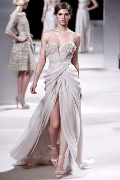 Sfilata Elie Saab Paris - Alta Moda Primavera Estate 2011 - Vogue