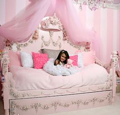 Cute Little Girl Bedroom Idea. Cute Little Girl Bedroom Idea. 25 Best Kids Bedroom Ideas for Small Rooms You Should Try Dream Rooms, Dream Bedroom, Girls Bedroom, Bedroom Ideas, Trendy Bedroom, Bedroom Makeovers, Girls Daybed, Girl Nursery, Design Bedroom