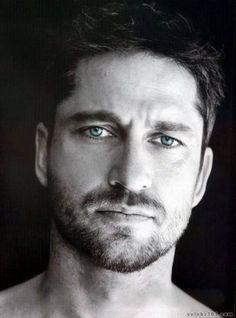 Gerard Butler - Some eye candy for my sissy. ;)