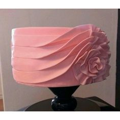 We are loving this pink swirled ribbon cake pic via @cakebakeoffng #yummy #cakeinspiration #cakelovers #instapost #partyideas #icing #sugar