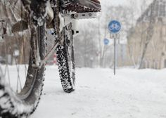Safety Tips for Winter Bike Travel #OGIO #safety #bike #travel #blog