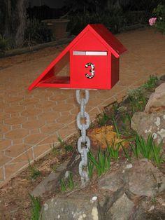 telopea-mailbox-chain-red-um.jpg