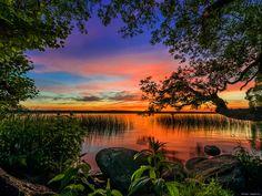 Lake Sunset - Lakes Wallpaper ID 1838313 - Desktop Nexus Nature Theme Background, Blurred Background, Background Images, Nature Water, Nature Tree, Sunset Photos, Nature Photos, Paradise Landscape, Sunset Wallpaper