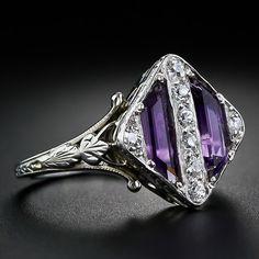 Beautiful Jewelry Art Deco Amethyst and Diamond Ring - circa - Anel Art Deco, Art Deco Schmuck, Bijoux Art Deco, Art Deco Ring, Art Deco Jewelry, Jewelry Rings, Jewelry Accessories, Fine Jewelry, Jewelry Design