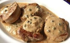 Filet Mignon with Green Pepper Sauce WW - Dish and Recipe - viande - Meat Recipes Filet Mignon Marinade, Filet Mignon Sauce, Au Poivre Sauce, Filet Migon, Easy Ratatouille Recipes, Side Dishes For Bbq, Roasted Sweet Potatoes, Weight Watchers Meals, Kitchen