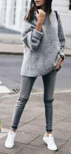 winter outfits sporty 25 Oversized Sweaters for Chic Winter Style Great ideas with different oversized sweaters for the amazing winter looks. Check these sweater outfits and find the ones to copy for yourself. Winter Outfits 2019, Casual Winter Outfits, Fall Outfits, Cozy Outfits, Outfits Mujer, Jean Outfits, Sweater Outfits, Fashion Mode, Trendy Fashion