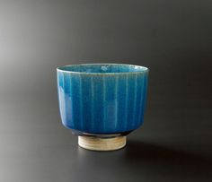 Gorgeous glaze (note: This is a teacup shape, not a matcha bowl) Ceramic Decor, Ceramic Clay, Ceramic Bowls, Ceramic Pottery, Stoneware, Earthenware, Modern Ceramics, Contemporary Ceramics, Kintsugi