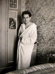 Man Ray, Autoportrait / Self Portrait, vers 1932.