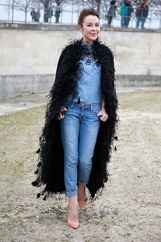 Street Style: Paris. Photo by Anthea Simms. I have never seen anything like it, but I think it is very pretty.