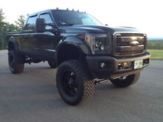 Ford : F-350 F250 FX4 Lariat in Ford | eBay Motors - We love a truck with a big bumper, fender flares, sweet headlights and clearance lights and vent visors!