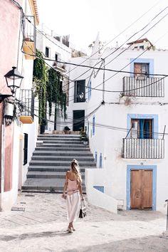 Strolling through Dalt Villa, Ibiza: http://www.ohhcouture.com/2016/07/monday-update-29/ | #ohhcouture #leoniehanne #ohhIbiza