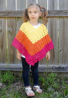 Pattern Childrens Shell Poncho - Crochet Children's Shell Poncho in S-M FREE pattern by also available in L-XL Crochet Baby Poncho, Crochet Girls, Crochet For Kids, Crochet Shawl, Crochet Yarn, Crochet Edgings, Crochet Motif, Crochet Children, Crochet Vests