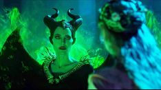 Angelina Jolie Battles Michelle Pfeiffer in New 'Maleficent Trailer Michelle Pfeiffer, Elle Fanning, Watch Maleficent, Disney Maleficent, Disney Villains, Movies To Watch Free, New Movies, Movies Online, Fairy Tail