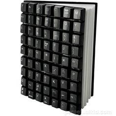 Capa de livro feita com teclado de computador