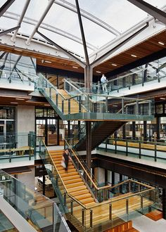 Image 2 of 16 from gallery of University of Queensland Global Change Institute / HASSELL. Photograph by Peter Bennetts Brisbane Architecture, University Architecture, Stairs Architecture, Interior Architecture, Atrium Design, Interior Design Institute, New Staircase, Building Stairs, Modern Stairs