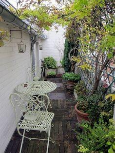 58 Beautiful Small Garden Design For Backyard Ideas #backyardideas #backyardsmallgarden #smallgardendesign ~ aacmm.com