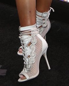 Everything You Didn't Know You Wanted to Know About High Heels: Platforms, Wedges, and Pumps. Hot Shoes, Crazy Shoes, Me Too Shoes, Shoes Heels, Bootie Boots, Shoe Boots, Lace Booties, Kinds Of Shoes, Sexy High Heels