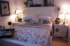 French Roses quilt in guest room
