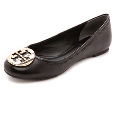 Tory Burch Reva Ballet Flats (1.855 NOK) ❤ liked on Polyvore featuring shoes, flats, sapatilhas, tory burch, black, black flat shoes, black ballet flats, black flats, black ballet shoes i black skimmer