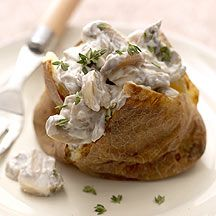 Weight Watchers' Jacket Potato with Mushroom Filling. Perfect for hearty and comforting lunch! Real Food Recipes, Cooking Recipes, Yummy Food, Healthy Recipes, Veggie Recipes, Cooking Time, Vegetarian Recipes, Healthy Food, Healthy Eating
