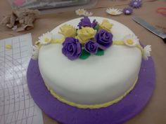 cake I made in cake decorating class