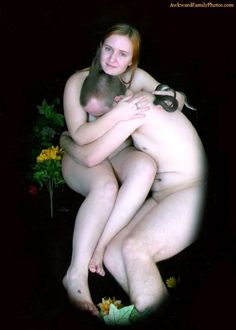 Most awful engagement photo of all times.
