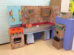 De kinderen en medewerkers van SKA-bso het Avontuur maakten deze hippe designkeuken van kosteloos materiaal.